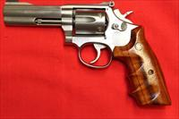 "Smith & Wesson 617 No Dash 4"" 6 Shot"