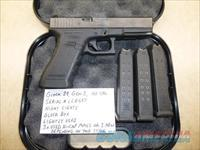Used Gen-3 Glock 22 .40 Caliber Pistol with Night Sights & 3 x Hi-Cap Magazines