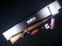 "Sako 85 Classic 7mm Rem Mag 24.3"" Wood NEW JRSCL70"