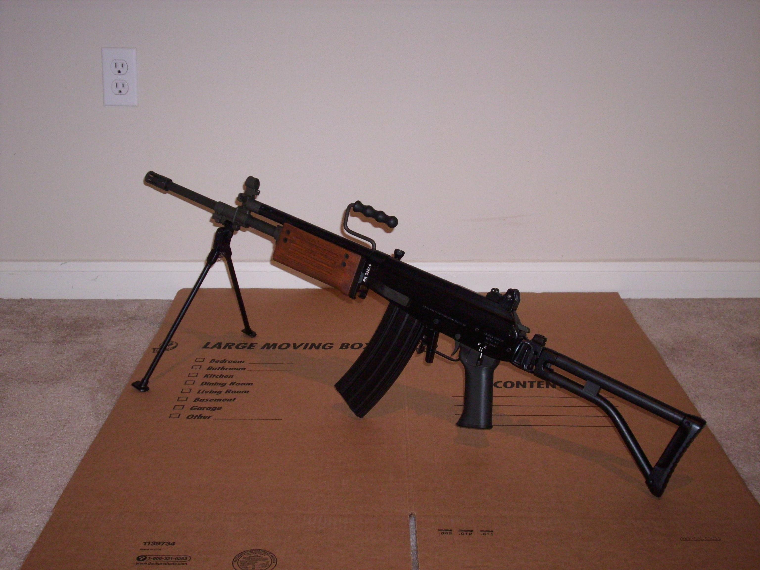 Pre-ban IMI Israel Magnum Research Galil ARM model 372 caliber 5 56/ 223