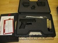 "Springfield Model XD Package XD9802HCSP06 Subcompact, 40 S&W, 3"", Checkered Polymer Grip, Black Finish, 9 Rd, 12 Rd(Grip Extension)"