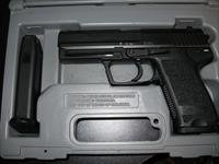 H&K (HECKLER AND KOCH) USP .40 S&W