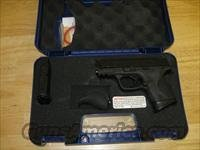 "Smith & Wesson Model M&P 40C Pistol 109303, 40 S&W, 3-1/2"", Plastic Grip, Black Finish, 10 Rd"