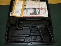 "Ruger SR40C Compact Pistol 3477, 40 S&W, 3-1/2"", Glass Filled Nylon Grip, Black Finish, 15 Rd"