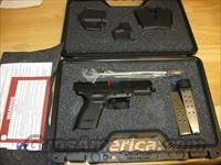 "Springfield XD Package XD9645HCSP06 Compact, 45 ACP, 4"", Checkered Polymer Grip, Black Finish, 10 Rd, 13 Rd(Grip Extension)"