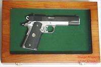 Deluxe Pistol DISPLAY CASE Colt 1911 / Peacemaker /  S&W  / Browning HP / HK / Luger / Glock / P38 / Pistol + Magazine Mag