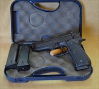 Beretta 96 40 S&W As New in box CONSIGNMENT