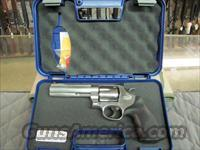 Smith & Wesson Model 629 44 mag 5 inch  **NEW**