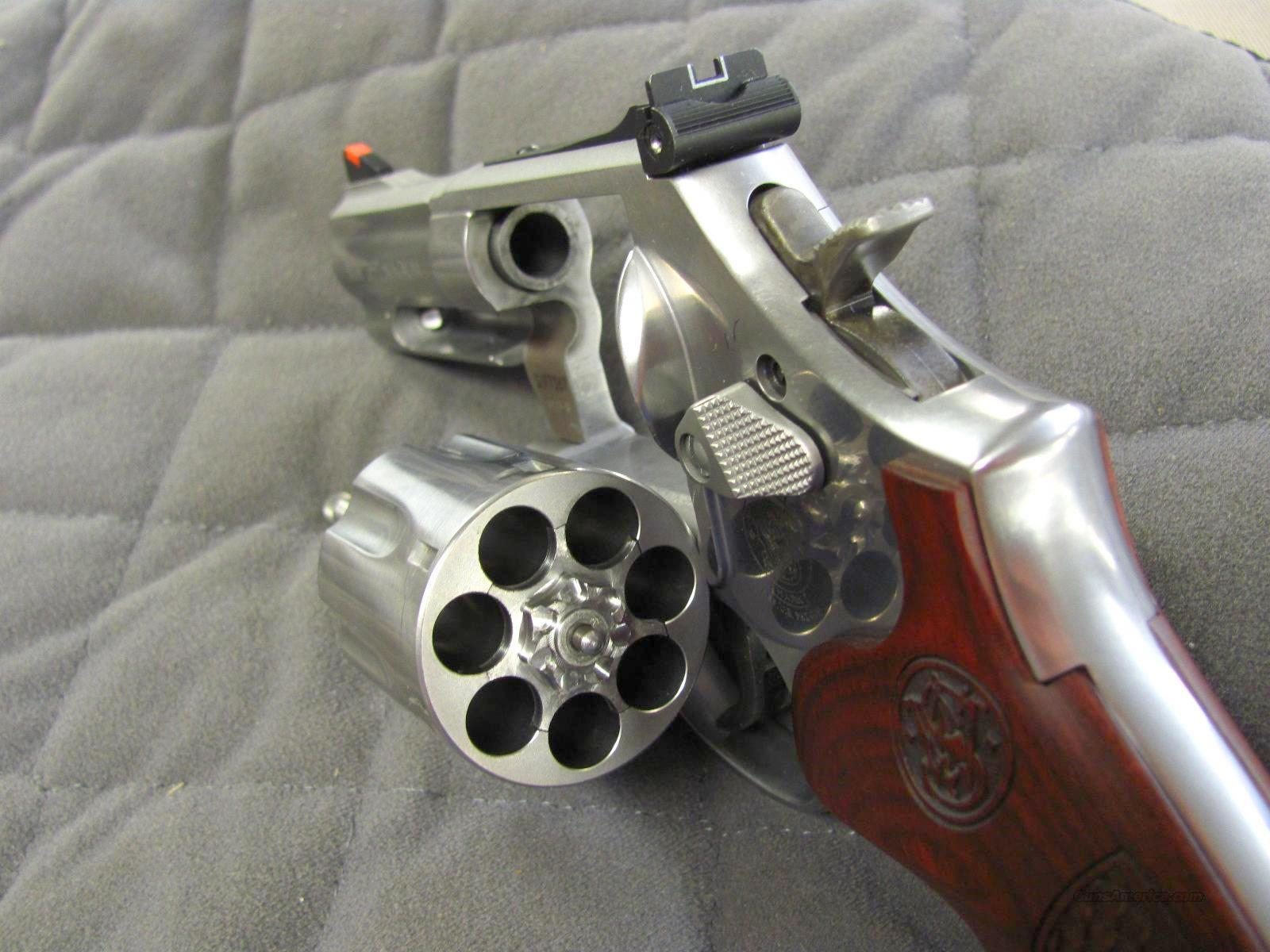 Smith Wesson Model 686 Deluxe 3 Inch 7 Shot For Sale