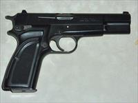 Belgian Browning Hi Power, 9mm.
