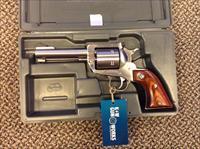 RUGER NEW MODEL SUPER BLACKHAWK .44 MAGNUM