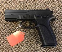 FN FNP 9MM COMES WITH ONE 16 ROUND MAGAZINE  MINT CONDITION