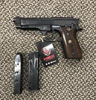 TAURUS PT92 9MM COMES WITH TWO MAGAZINES