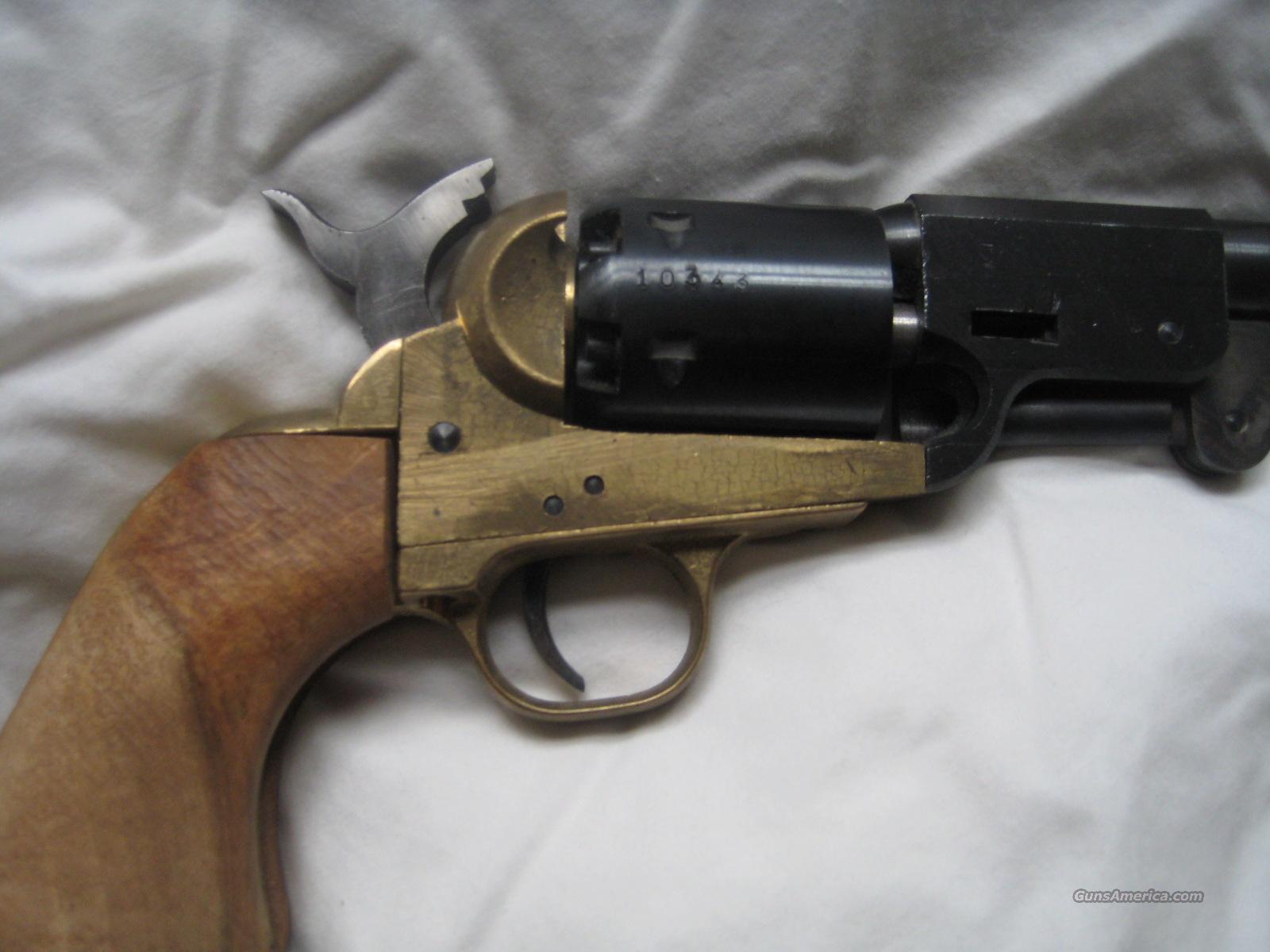 NAVY ARMS CO  MODEL 1851  36 CAL  Colt Navy replica Black Powder Percussion  Revolver
