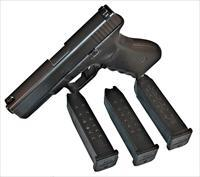 Glock 22 Gen 3 LE Trade 40S&W w/ 3 15rd Magazines and Box