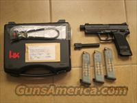 HK Custom Combat 40 USP cal with 3 16 rounds magazines w/Comp Tac Holster and double Mag Pouch