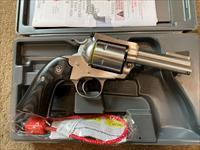New Model Ruger Super Blackhawk Bisely