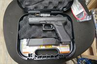 "Glock 17 Gen3 Full- Size 4.49"" 17+1 9mm. NIB !!!"