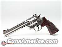 Smith and Wesson 629 Deluxe 44 magnum