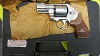 Smith & Wesson M627-5 PC 357 Magnum Revolver