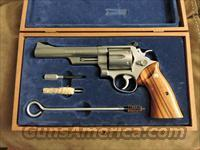 Smith & Wesson Model 629-0 .44 Magnum Revolver In Walnut Case!