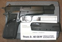 Browning Hi Power, 9MM, Belgium Gun, Box and manual, with 2 hi cap magazines