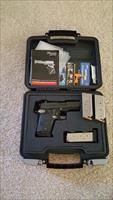 Sig P938 9mm Pocket Pistol with 4 mags Sig 938