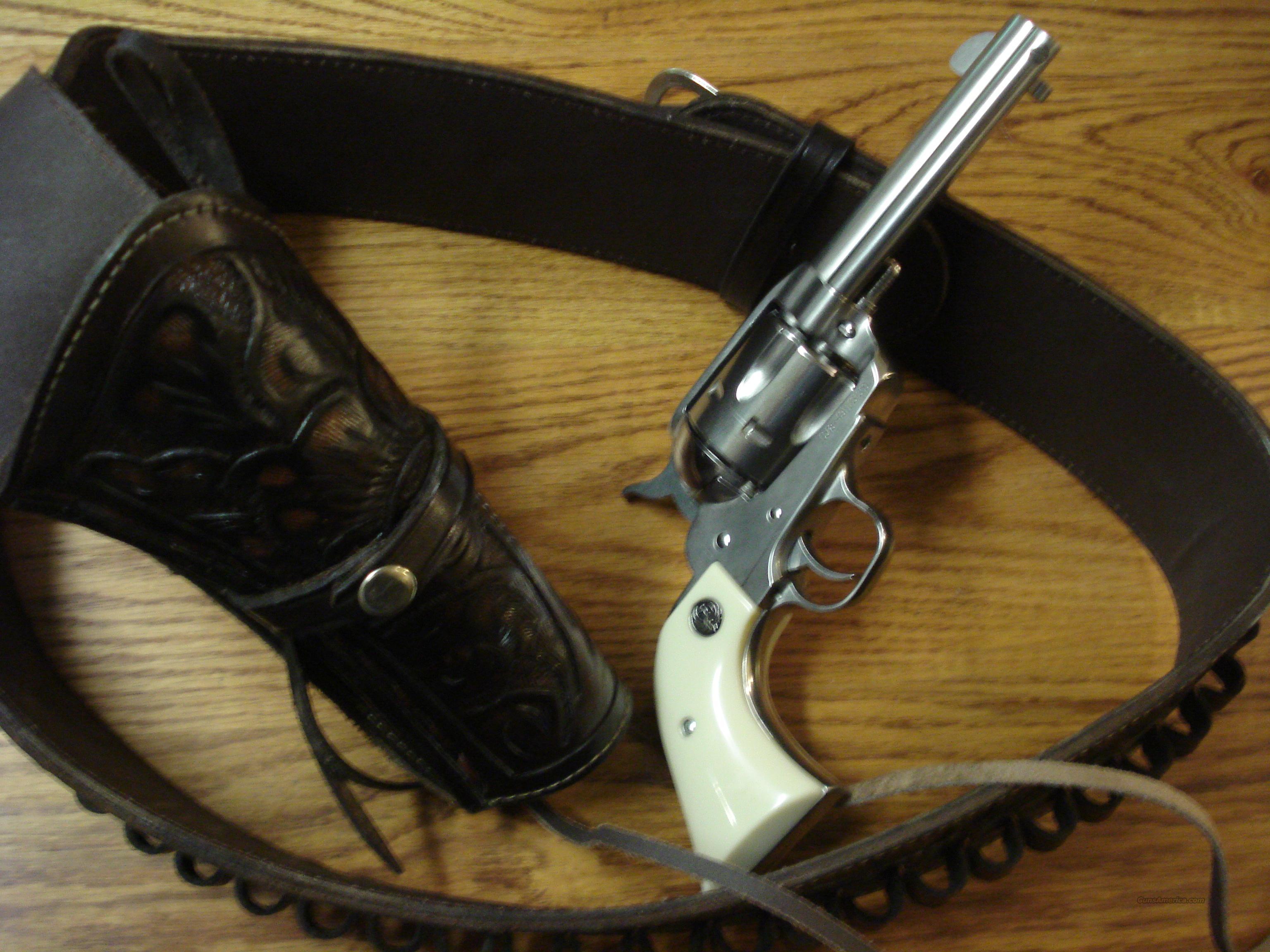 Ruger Vaquero  45 colt w/ leather BELT holster