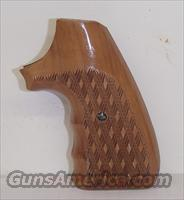 Herretts Colt Python skip checkered wood grips