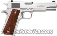 "REMINGTON® MODEL 1911 R1 STAINLESS, 45ACP, 2ea. 7 Rnd Mags, 5"" Brl, GI Beaver Tail, 3-dot Sights, Double Diamond Walnut Wood Grips"