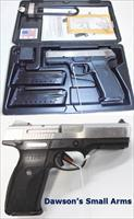 Ruger SR40 - 40S&W with 3 Magazines in Factory Box.