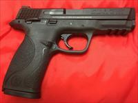 Smith and Wesson M&P 9mm with two 17 round magazines