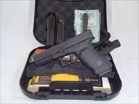 FS: NIB Glock 21 gen4 .45ACP 13RD-Mags Threaded Barrel and Bar Dot Night Sights