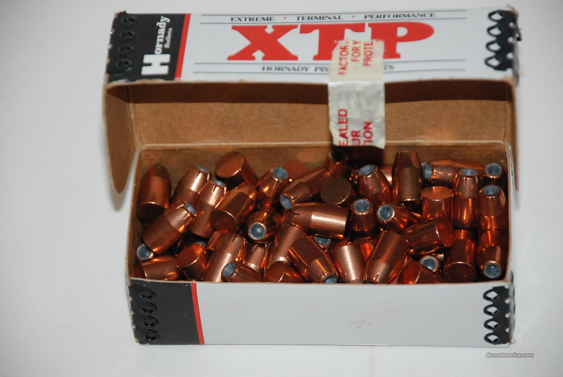 Hornady XTP Pistol Bullets 40 S&W, 10mm Auto (400 Diameter) 200 Grain  Jacketed Hollow Point Bullets - Box of 100