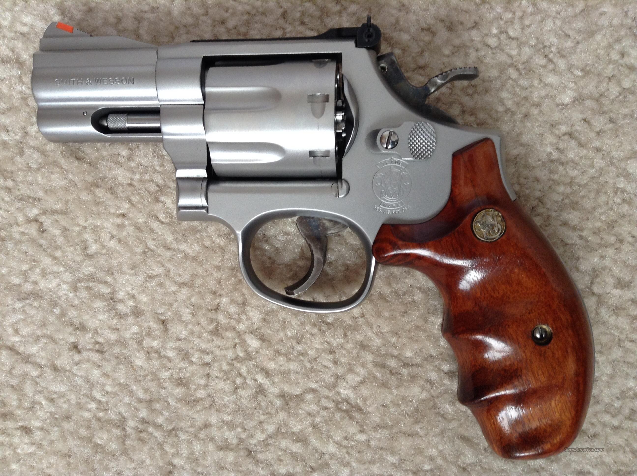 Smith Wesson 686 4 Plus 25 Barrel Snub