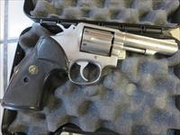 Smith & Wesson Model 64 .38spl 4