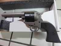 Ruger Wrangler .22lr 02003 NIB Silver Cerakote Single Action 4 5/8
