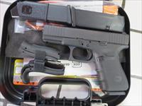 Glock 19 Gen4 with Front Serrations and Glock Tritium Night Sights G19 G4 15+1 3 mags NIB SALE