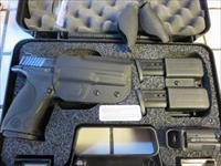Smith & Wesson M&P9 Carry & Range Kit 9mm 17+1 209331 NIB 3 mags Holster Mag Carrier Mag Loader SALE PRICE