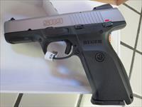 Ruger SR9 17+1 2 mags 9mm 03301 NIB SALE PRICE 3301