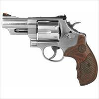 Smith & Wesson 629 Deluxe 44 mag 6Shot
