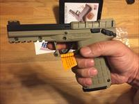 PMR 30 by Kel-Tec .22mag w/2(30+1 round mags) .22WMR   Kel Tec PMR-30 New in case