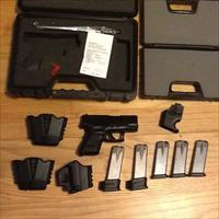 XD 9mm Compact by Springfield Armory 5 mags 16+1 & 13+1 w/holsters XD9 New in case