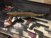 Chipmunk Hunter .22 Pistol by Keystone Firearms Like new in original box. (no card fees added )