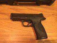 S&W M&P 40 with Night Sights, used in very good condition Smith & Wesson full size Military & Police 40 S&W (No card fees added)