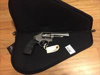 S&W model 64 in .38 special Stainless Steel Smith and Wesson Revolver good condition in soft case