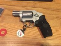 Smith & Wesson 642 Airweight revolver .38 special with Crimson Trace Laser Grips S&W 642 New in Box(No card fees added)