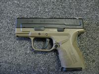 "Springfield Armory XD-9 Mod2 3"" 9mm Holds 16 rounds Two Tone Tan."