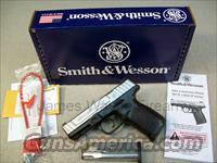 SMITH & WESSON MODEL SD40 VE 40 S&W TWO TONE