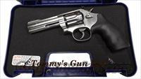 Smith & Wesson 617 K22 K-22 Masterpiece 160584 NIB